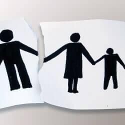 Как и за что можно отца лишить родительских прав